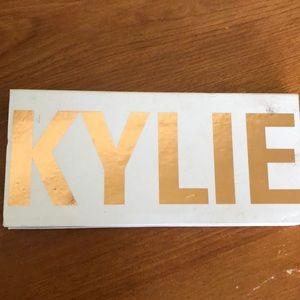 SELLING!! Kylie Peach Pallet 🍑